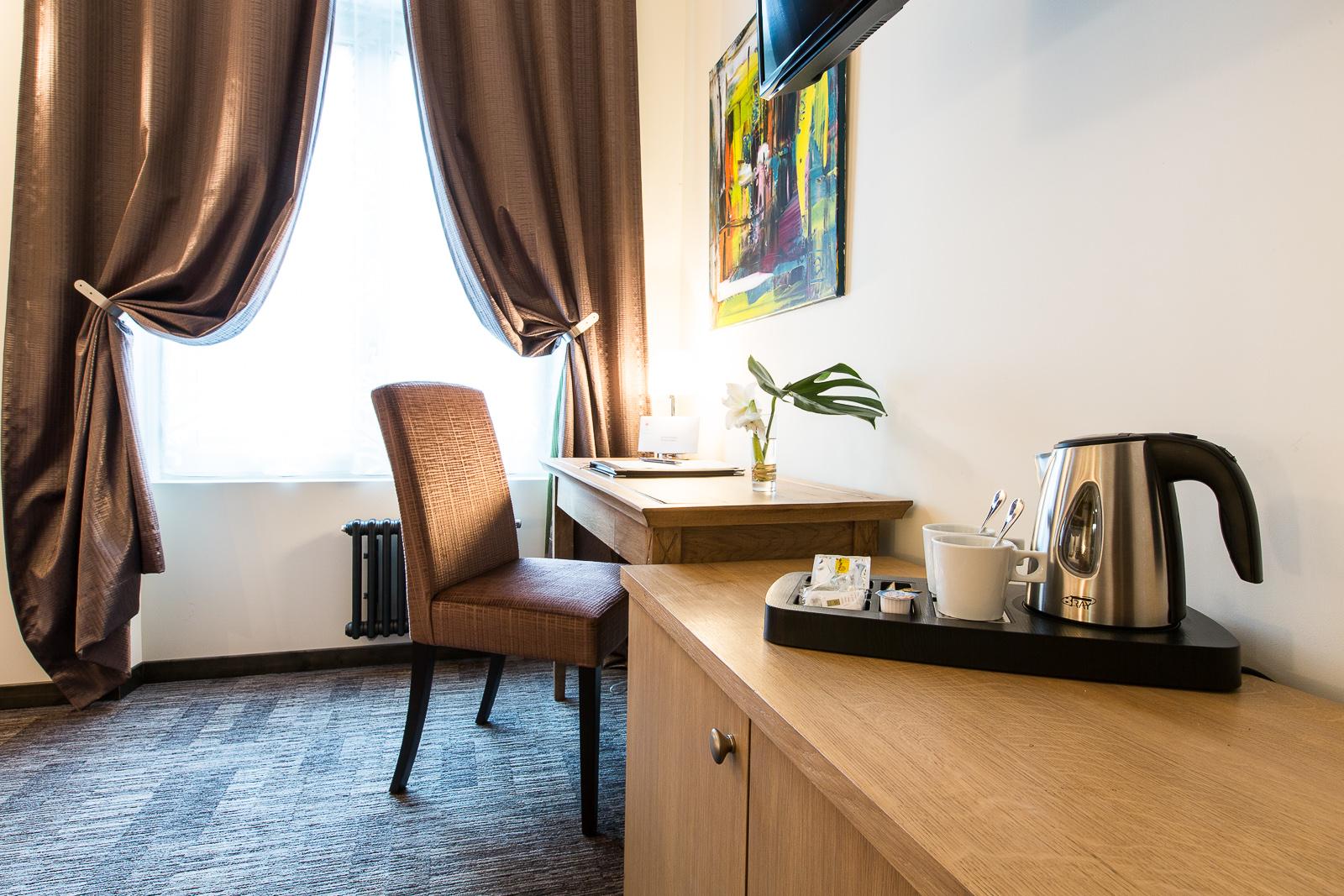 Hôtel Marotte - chambre charme bureau