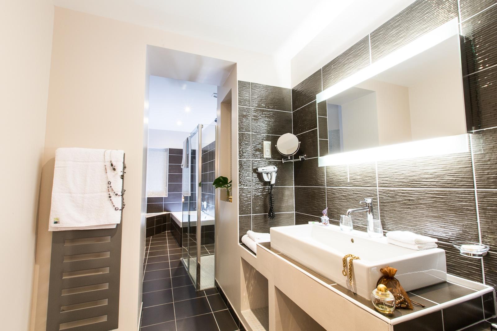 Hôtel Marotte - chambre charme salle de bain