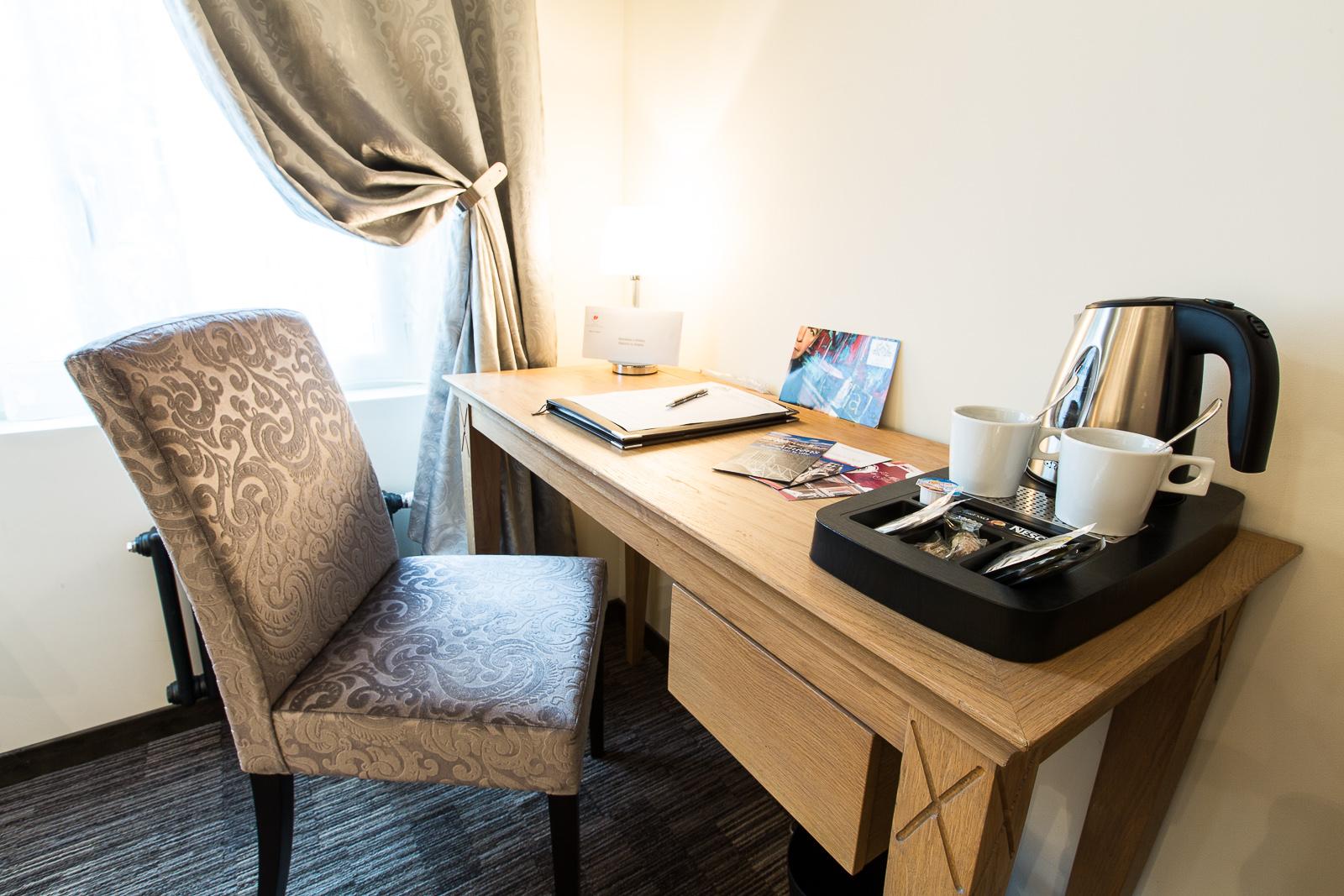 Hôtel Marotte chambre cosy café