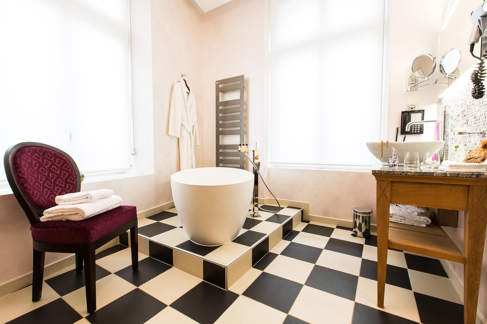 Hôtel Marotte chambre cosy baignoire marche