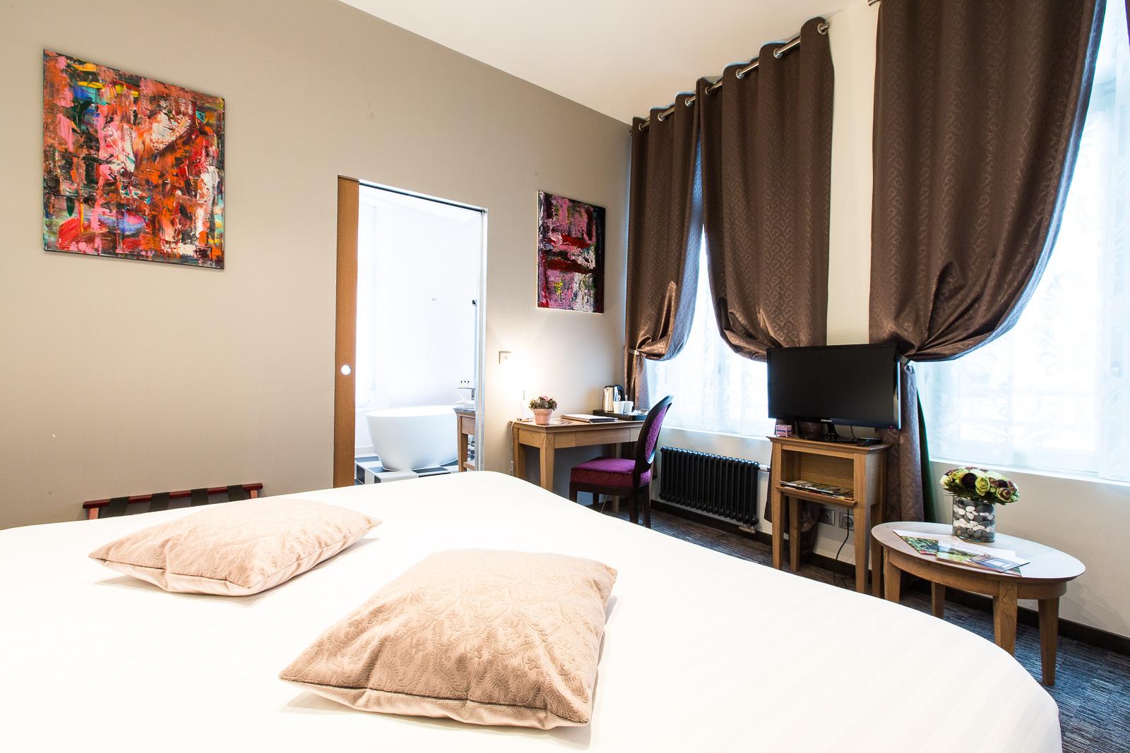Hôtel Marotte chambre cosy rideaux