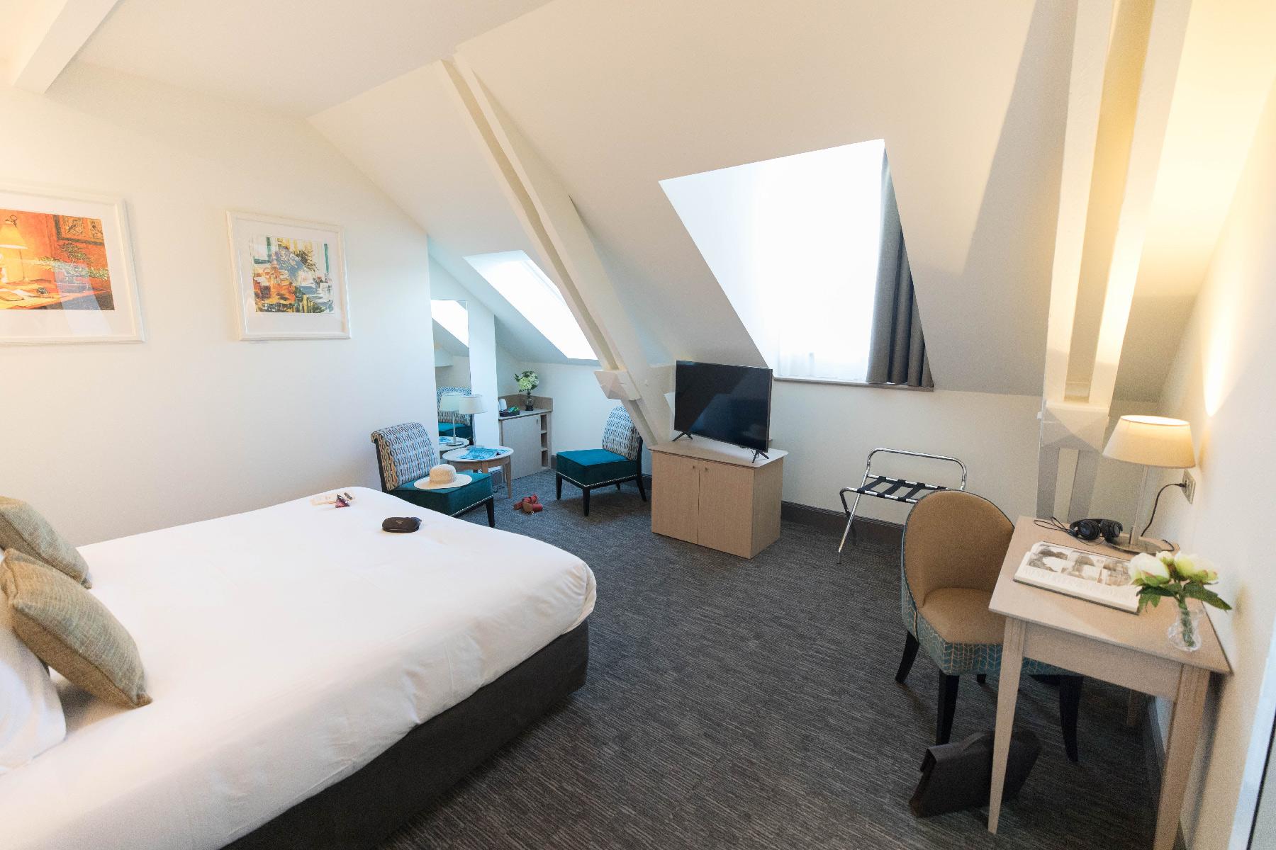 chambre Deluxe - Hôtel Marotte salon bureau